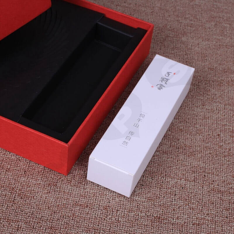 Customized Rigid Box With Insert For Comb side view four