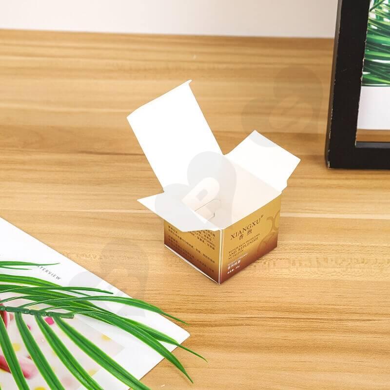 Small Cardboard Retail Box For Skin Repair Cream side view four